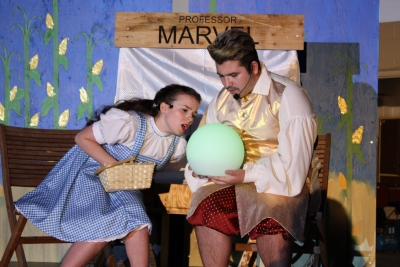 There's no place like home – Bishop Alexander Carter performs Wizard of Oz!
